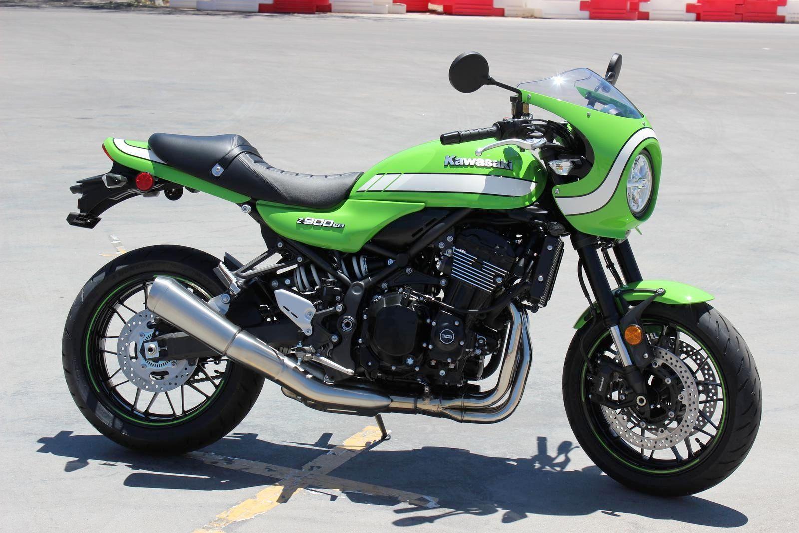 Kawasaki Z900RS Cafe in green